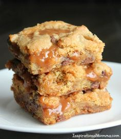 Caramel Chocolate Chip Cookie Bars - A sensational layer of ooey-gooey caramel sandwiched between soft, chewy chocolate chip cookies!