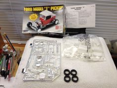 "LINDBERG 1:24 SCALE "" FORD MODEL T PICKUP "" KIT No. 72334 Open Complete Builder #Lindberg"