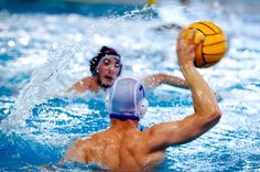 Water polo works every major muscle in your body. From kicking your legs to stay upright to surging through the water using your upper body strength, water polo puts demands on your physical fitness. Muscles In Your Body, Major Muscles, Men's Water Polo, Rugby Games, Waterpolo, Water Polo Players, Famous Golf Courses, Sports Marketing, Sports Pictures