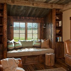 Rustic window seat crafted from reclaimed wood for the home office [Design: Van Bryan Studio Architects / Carter Kay Interiors. Cabin Interiors, Rustic Interiors, Rustic Home Offices, Rustic Office, Little Cabin, Decoration Design, Cabin Homes, Cabins In The Woods, Home Office Design