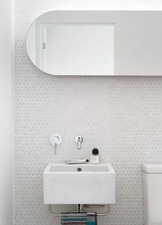 http://www.homeadore.com/2014/10/09/sydney-house-decus-interiors/