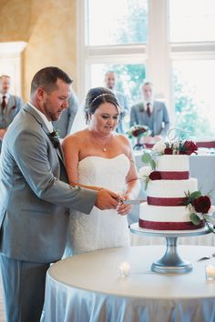It's all pretty and romantic, until someone gets cake in the face.  How fun is this progression of wedding cake smash pics from @kara_kamienski_photography?