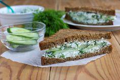Grilled Spinach And Cottage Cheese Sandwich Recipe Cheese Toast Recipe, Cheese Sandwich Recipes, Cucumber Sandwiches, Grilled Sandwich, Trail Mix Recipes, Pumpkin Smoothie, Tuna Melts, Vegan Cream Cheese, Nigella