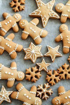 Advent, Advent... heute gibt es feine Sterne, Schneeflocken und Männchen aus Lebkuchen © Die Glücklichmacherei