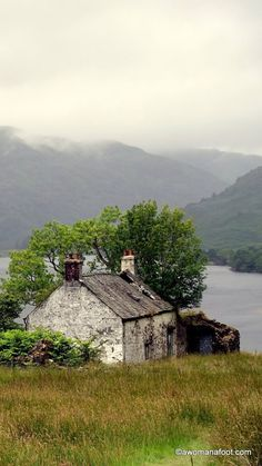 West Highland Way as a solo female hiker. Stage 1: Drymen to Inverarnan awomanafoot.com http://itz-my.com
