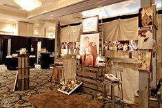 Welcome to Trade Show Inspiration, where you can share in my love for marketing, design + trade show spaces. I hope you become inspired to take your booth space up a notch! Want more? Check it out here! I would characterize this booth by Elizabeth of Almondleaf Studios as Vintage. Rustic. Earthy. Check out all …