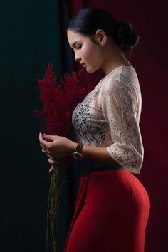 Beautiful Women Over 40, Beautiful Girl Photo, Beautiful Outfits, Cute Asian Girls, Beautiful Asian Girls, Burmese Girls, Indian Actress Hot Pics, Tight Dresses, Asian Fashion