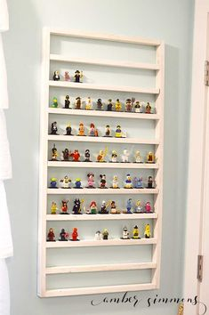The Best Lego Minifigure Display Ideas For Kids. Do your kids have a lot of Lego Minifigures? FInd out the best LEGO minifigure display ideas - Organised Pretty Home Lego Shelves, Display Shelves, Ikea Shelves, Lego Display Case, Toy Display, Storage Shelves, Lego Regal, Mesa Lego, Table Lego