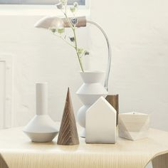 Geometric Home Decor Ideas - Vase Setting - White and Neutral Tones