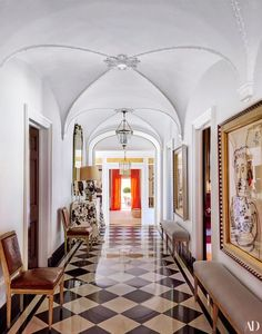 Tory Burch's Southampton Home, hallway, checkerboard floors