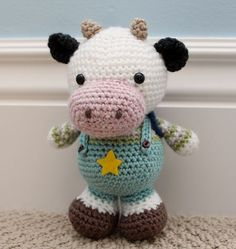 Etsy の Crochet Amigurumi Pattern Clarence Cow by littlemuggles