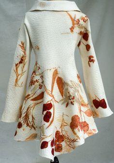 Unglaublich Erstaunlich Nuno felted wool coat with eucalyptus prints and kantha hand stitching. Textiles, Nuno Felting, Needle Felting, Shibori, Wool Coat, Dressmaking, Wearable Art, Creations, Style Inspiration
