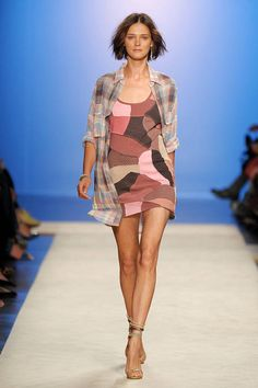 Isabel Marant Spring 2012 Runway - Isabel Marant Ready-To-Wear Collection - ELLE