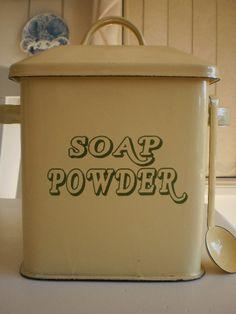 French Farmhouse Enamel Soap Powder Tin - Cream & Green