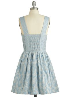 Arts Cooperative Dress. Do right by your creative crew and don this stunning blue party dress for tonights group show. #blue #modcloth