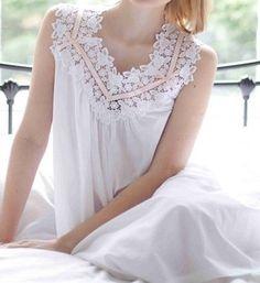une belle chemise de nuit 100 coton blanche blanc coton blanc lingerie de nuit femme. Black Bedroom Furniture Sets. Home Design Ideas