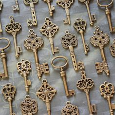 35 pcs Skeleton Key Collection  antiqued brass by PineappleSupply, $15.00