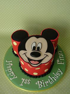 Mickey Mouse Birthday Cake (by RubyteaCakes)
