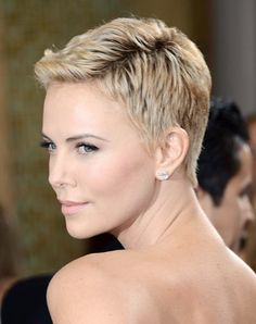 http://files.glow.ca/gallery/best-celebrity-short-hair-3.jpg