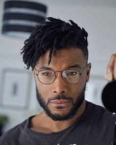 Short Dreads with Fade - Best Dreadlock Hairstyles For Men: Cool Dread Styles For Guys, Short, Medium and Long Dreads with Fade Men Dread Styles, Mens Dreadlock Styles, Dreads Styles, Curly Hair Styles, Natural Hair Styles, Dreadlock Fade, Black Men Haircuts, Black Men Hairstyles, Twist Hairstyles