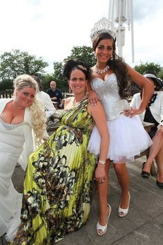 and George, both English Romany Gypsies are getting married in Wickford, Essex My Big Fat Gypsy Wedding, Gipsy Wedding, Wedding Day, Got Married, Getting Married, Gypsy Girls, Gypsy Dresses, Gypsy Style, Wedding Styles