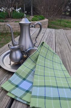 Sage plaid Picnic Blanket, Outdoor Blanket, Weaving Projects, Weaving Patterns, Weaving Techniques, Kitchen Towels, Beautiful Patterns, Fine Dining, Kitchen Accessories