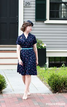 1940's fun day dress from Polka Polish! Navy blue is one of my favorites!