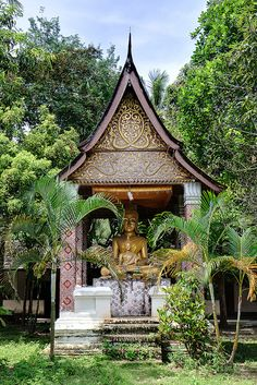 "Laos  ............................... #GlobeTripper | ""Home-made Hosptality"" | https://www.globe-tripper.com"