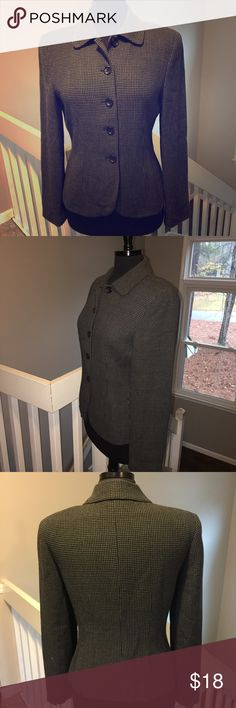 "⚡️FINAL PRICE⚡️Ann Taylor Gray Wool Blazer 💲LOWEST I CAN GO💲 Very nice dark gray wool blazer from Ann Taylor.  Has a checkered design stitch...similar to houndstooth.  Very classic piece.  Would look lovely with black wool pants or skirt and also to dress up denim!  Length from top of collar (back of blazer) to bottom of blazer is 24"".  Sleeve length is 24"".  Free of stains, pilling and tears/holes per careful inspection.  Smoke-free home. Ann Taylor Jackets & Coats Blazers"