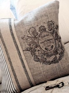 French Emblem Pillow Cover with Jute and ticking Burlap Pillows, Sewing Pillows, Decorative Pillows, Throw Pillows, Owl Pillows, Decor Pillows, Burlap Projects, Burlap Crafts, Sewing Projects
