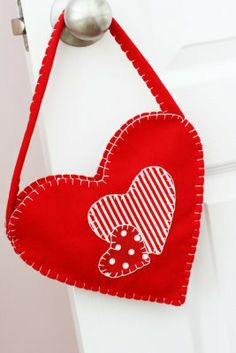 Felt Heart Bags.  Super cute and look easy to make!