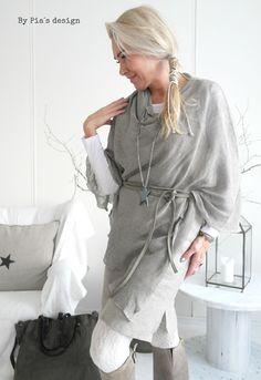 By Pia's Linen Tunics / @bypiasdesign
