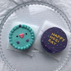 Happy Bday Cake, Pretty Birthday Cakes, Pretty Cakes, Bueno Cake, Bts Cake, Korean Cake, Fun Baking Recipes, Cute Desserts, Just Cakes
