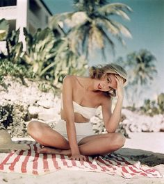 Photography of beautiful Grace Kelly by Howell Conant. #ridecolorfully