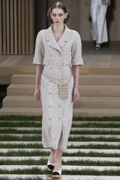 Chanel, Look #5