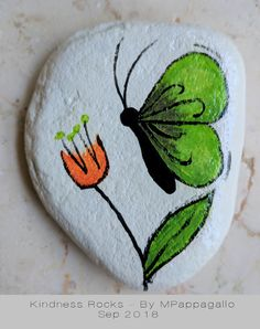bemalte kieselsteine Etsy :: Your place to buy and sell all things handmade Rock Painting Patterns, Rock Painting Ideas Easy, Rock Painting Designs, Painting For Kids, Pebble Painting, Pebble Art, Stone Painting, Stone Crafts, Rock Crafts