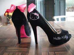 Omg!! These are SUPER CUTE!! I want a pair!! :)