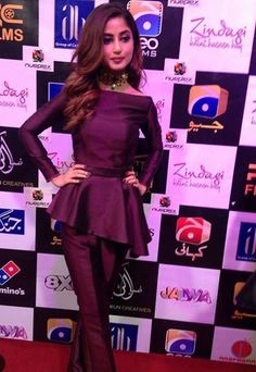 Pakistani Fashion Party Wear, Pakistani Wedding Outfits, Pakistani Dresses, Best Maxi Dresses, Cute Dresses, Fashion Dresses, Eid Dresses, Fashion Clothes, Little Girl Gowns