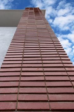 Facebrick Detail on angled wall on Metier Building in South Africa.