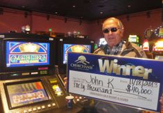 #JACKPOT Alert: John from Fresno won a $40,000 playing Game King.  #Poker #RoyalFlush #ChukChing #Chukchansi #IGT
