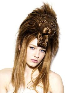 animal-hair-style-6.jpg (450×568).- This bizarre creation with hair, is tehe japanese art director Nagi Noda, has died. On your designated project HAIR HATS, hair takes the form of various animals such as lion, rabbit, elephant, rhino and many others.