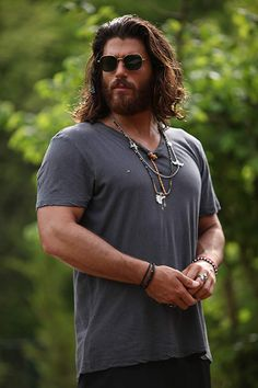 Can Yaman in Episode Hunks Men, Hot Hunks, Turkish Men, Turkish Actors, Hair And Beard Styles, Long Hair Styles, Hipster Haircuts For Men, Man Dressing Style, Beard Lover