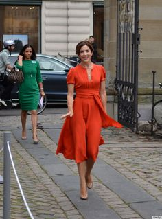 Adore Princess Mary of Denmark's frock spotted in St. Petersburg
