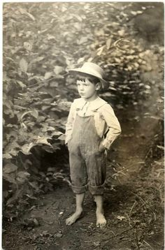 Elmer Oris Wilson (1908-1994). Youngest child of Claude and Ada Wilson. Born in California, but lived his life in Oregon. Married Opal Whittenbarger in 1931. Died in Oregon at the age of 85. Buried at the Memory Gardens Memorial Park in Medford, Oregon. McKay family line.