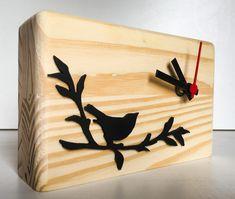 "Bird on the branch Wooden Table Clock Relógio ""Passarinho"" em madeira para mesa"