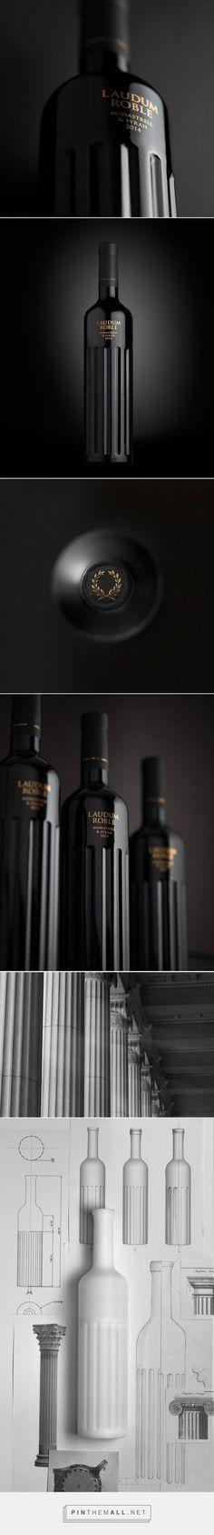 Laudum wine packaging design by Lavernia & Cienfuegos - http://www.packagingoftheworld.com/2017/06/laudum.html - created via https://pinthemall.net