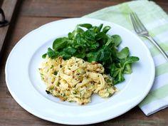 Kässpätzle mit Feldsalat im Kartoffeldressing