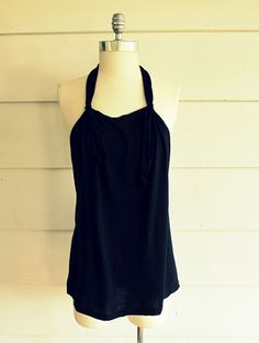 WobiSobi: No Sew, Tee Shirt- Tied Halter, DIY. Love her easy, cheap stuff!