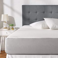 Twin-size memory-foam mattress with 3 foam layers for optimal softness and support Plush Feel: Top memory-foam layer is designed to provide a soft texture to sleep on firmness on a scale of while providing adequate support for any sleeping position Casper Mattress, Best Mattress, Online Furniture, Furniture Decor, Bedroom Furniture, Design Furniture, Mattress Manufacturers, Metal Bunk Beds, Box Bed