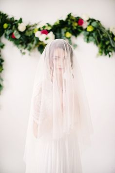 English net circle drop veil by Tessa Kim #tessakim #bridal #wedding #veil #accessories #englishnet